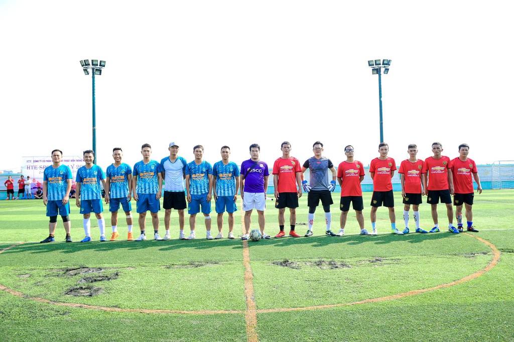 vòng chung kết vô địch giữa đội Trung tâm kĩ thuật miền Bác và đội bóng trung tâm miền Trung